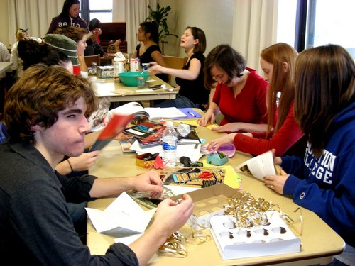 students making sustainable gifts