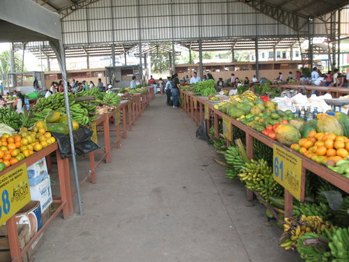 Outdoor market in Sucua