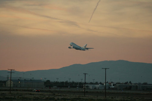 SOFIA takes off from Palmdale, CA, on November 18 2010.