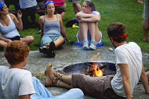 Experience Connections by Heading Outdoors, one of Ithaca's team-based programs for incoming students