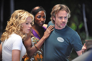 Actors (l-r) Anna Paquin, Rutina Wesley, Sam Trammel film a scene. Photo courtesy of Jaimie Trueblood/HBO
