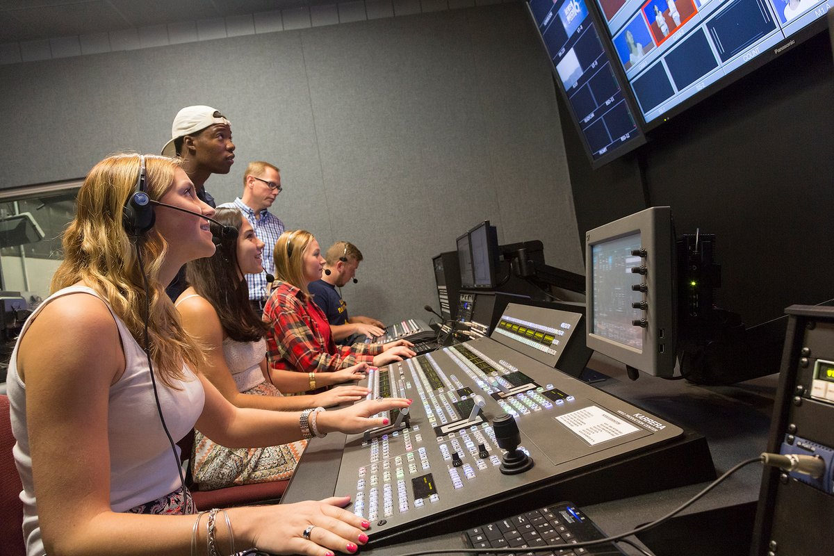 writing and producing television news from news room to air