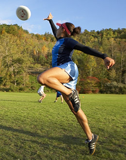 A women's frisbee practice at Ithaca