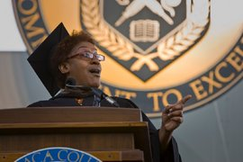 Actress CCH Pounder '75 gives her Commencement address