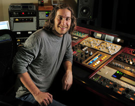 Andrew Mendelson '98 in his Nashville studio (Photo courtesy of The Tennessean).