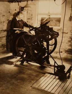 Elizabeth McCausland at her printing press, ca. 1935