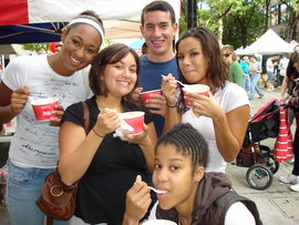 IC students enjoying some apple fest goodies