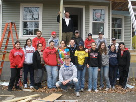 Ithaca College and SUNY Cortland students participate in the 2010 Cortaca Build