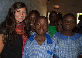 Jenna with her students at Bubirabi Primary School in Mbale, Uganda.