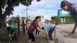 MLK Scholars taking part in a Service Learning Project in Havana, Cuba. Photo by Alexis Powell