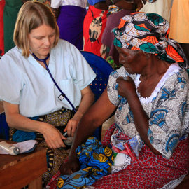 Mary Taylor '08 provides medical care in Malawi.