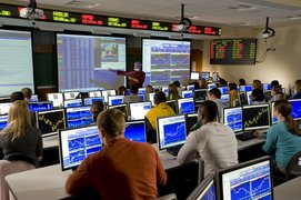 Professor Tastle instructing students in Trading Room
