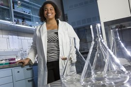 Rochelle Frankson '13 in the chemistry lab