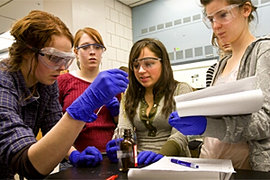 Students go hands-on with chemistry and art.