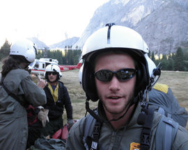 Tom Healy '10 ready to fly with fellow members of Yosemite National Park search and rescue team.